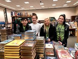 NEHS Barnes and Noble Book-Buying Trip Brings New Novels to SHS Library –  News Progress