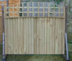 Bow Top Trellis Closeboard Feather Edge Panel Kent Sittingbourne Maidstone Teynham Minster Sheerness Chatham Rainham Dover Me9 Me10 Me11 Me12 Me13 Me14