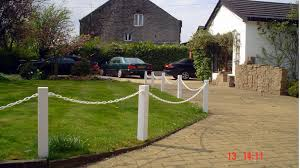 Plastic Upvc Post And Chain Fencing Driveway Garden Fence Posts Chain S Chain Fence Front Yard Fence Fence Landscaping