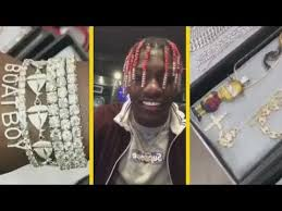 lil yachty shows off 1 000 000 in