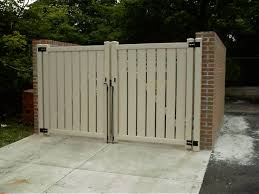 Good Looking Dumpster Enclosure Concrete Pad In Front Needs Heavier Hinges And Pegs Use Some Kind Of Plastic V House Front Recycled House Kitchen Trash Cans