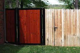 A Look At Some Top Designs And Styles For Wooden Fencing For Your Property Homemadevaporizers Info
