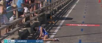 Raccapricciante ai Giochi: collassa il leader durante la maratona e  stramazza a terra! Nessuno lo soccorre per 15 minuti!