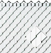 The Top Lock Slat Provides And Economical And Attractive Way To Enhance Any Chain Link Fence Chain Link Fence Privacy Chain Link Fence Black Chain Link Fence