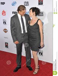 Charlie Hunnam & Maggie Siff Editorial Photo - Image of beard ...