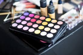 the essentials of good makeup bag