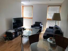 1 bedroom flat to leeds dock
