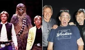 Star Wars actor Peter Mayhew dead: Tributes from Harrison Ford, Mark  Hamill, new Chewbacca – IMB News