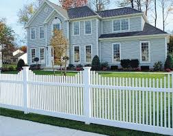 Personalize Your American Dream With These White Picket Fence Design Ideas