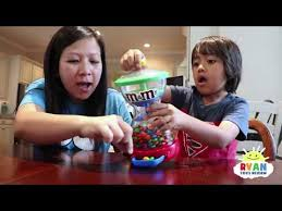 mommy pretend play with m m candy