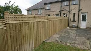 Feather Edge With Trellis Top To Finish Bradshaw Fencing Services Facebook