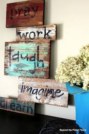 Beyond The Picket Fence Article Shmarticle Pallet Diy Crafts Diy Signs