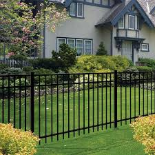 Freedom Actual 4 91 Ft X 6 026 Ft Standard New Haven Black Aluminum Spaced Picket Flat Top Decora In 2020 Metal Fence Panels Modern Backyard Landscaping Metal Fence