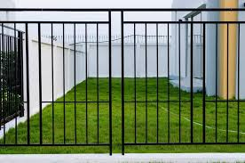 101 Fence Designs Styles And Ideas Backyard Fencing Fence Design Security Fence Aluminum Fence
