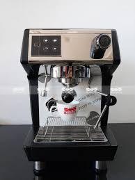 Máy pha cà phê CRM 3200D – Mộc Nguyên Coffee