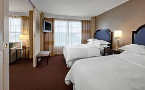 Atlanta Accommodations Double Bed Suite Sheraton Suites - Double bedroom