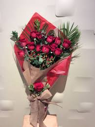How To Wrap Flower Bouquet In Paper Dozen Red Roses Wrap Bouquet