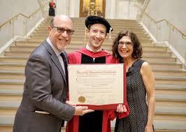 Пацан сказал пацан сделал через лет Марк Цукерберг наконец  Пацан сказал пацан сделал через 12 лет Марк Цукерберг наконец получил диплом Гарварда