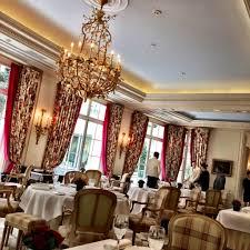epicure restaurant at le bristol hotel paris