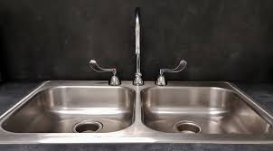 water clean wash sink room countertop stainless steel bathtub tap drain faucet dishes basin shiny plumbing