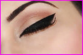 how to apply cat eye makeup easy steps cat eye makeup tips