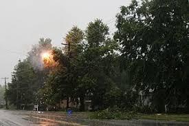Авария в энергосистеме Википедия Аварии на воздушных линиях электропередачи наиболее частая причина пропадания электроэнергии в сельской местности