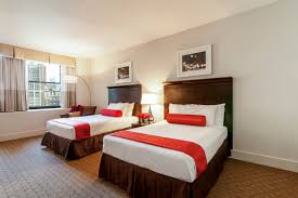 NYC Hotel Penn Photo Gallery Hotel Pennsylvania - Double bedroom