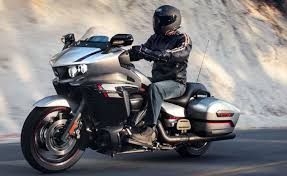 2018 bmw bagger. perfect bagger as we predicted yamaha revealed a new touring model based on its star  venture called the u201cstar eluderu201d essentially without trunk  to 2018 bmw bagger