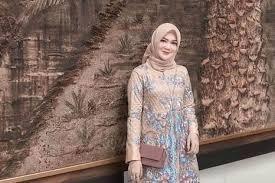 Gamis brokat anggun dan simpel untuk brides maid 10 Model Baju Pesta Brokat Untuk Bridesmaid Ke Kondangan Termasuk Hijaber Womantalk