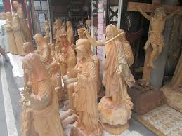 To this day, paete and its local craftsmen & artists keep the art and tradition. Paete Laguna Philippines Wood Carvings Page 1 Line 17qq Com