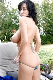 Janine of outdoor masturbation