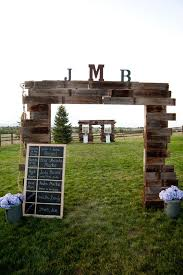 rustic country wooden pallet wedding arch