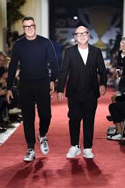 Dolce Gabbana Men S 2 Pc Light Blue Pour Homme Travel Set Chinas Fashion Heavyweights React To Dolce Gabbana