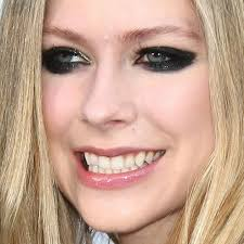 avril lavigne makeup 25
