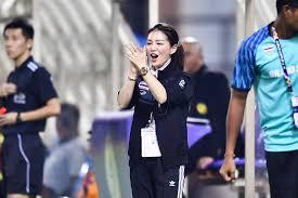 ทั้งสวยทั้งเก่ง! รวมแอคชั่น มาดามเดียร์ นางฟ้าทีมชาติไทยในซีเกมส์ - Page 3  of 6 - ฟุตบอลไทรบ์ ประเทศไทย
