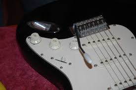 picture of varitone mod on stratocaster clone guitar