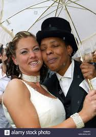 dpa) - US-born soul and blues singer Marla Glen (R) and Sabrina Stock Photo  - Alamy
