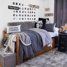 Teen dorm room quilts