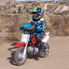 It was the first twin cylinder model in the xr series and as such started the xrv series, but it was soon replaced by the honda xrv750 in 1990. 2018 Honda Crf50f Review The Ultimate Beginner Motorcycle