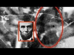 abraham lincoln ghost caught on tape. abraham lincoln still walks the hallway of white house presidents first ladies staff members and guests have reported paranormal happenings in ghost caught on tape