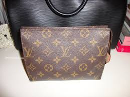 my makeup bag i use everyday is the louis vuitton toiletry pouch 19 it is the mid size model of three toiletry pouches the 15 19 and 26