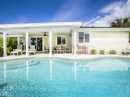 holiday house boat house bonita