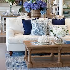 hampton living room dining table