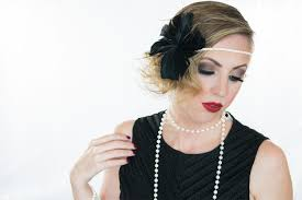 1920s flapper hair and makeup idea