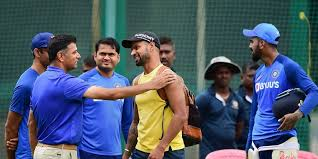 Rahul Dravid spends time with Indian players ahead of third T20I- The New  Indian Express