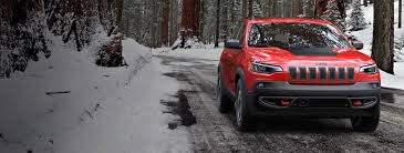 jeep suvs crossovers official jeep site now get up to 5 350 in total value on 2019 cherokee trailhawk models