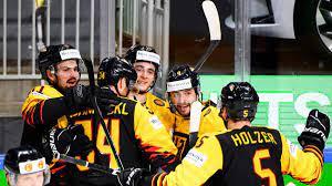 Gruppe a gruppe b viertelfinale halbfinale 3. Eishockey Wm Deutschland Bezwingt Kanada Und Steht Vor Einzug Ins Viertelfinale Eurosport