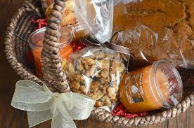 super easy gift basket idea perfect for a house warming gift