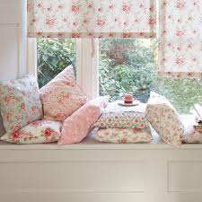 Shabby Chic. This has a real Laura Ashley feel to it. I would love