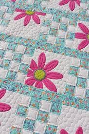 Best 25+ Flower quilts ideas on Pinterest | Log cabin quilts ... & Doo Da Daisy Quilt (Tamarack Shack) Adamdwight.com